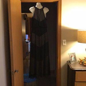 London Times Dresses - Like new London Times black maxi dress